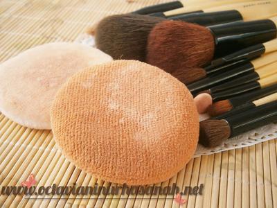 Perbedaan Puff, Spons, & Kuas Makeup