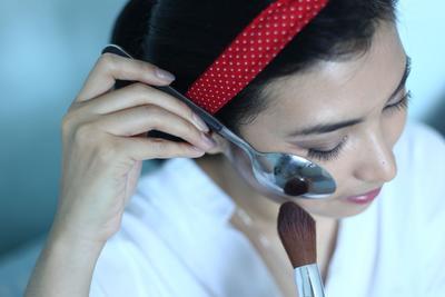 5 Alat untuk Mempermudah Makeup