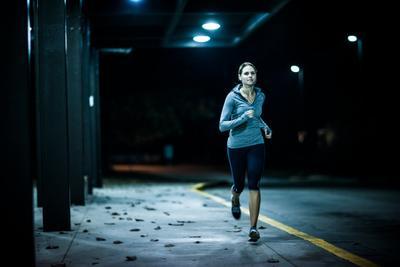 5 Manfaat Olahraga Sebelum Tidur di Malam Hari