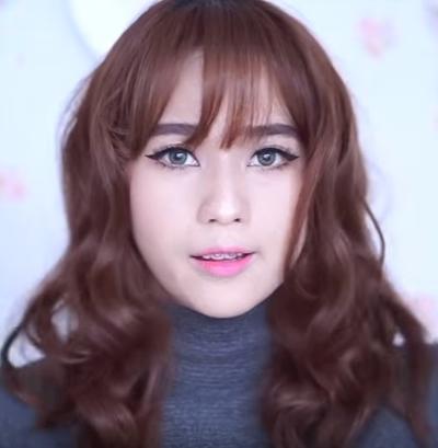 Tampil Cantik Dengan Rambut Curly & Tebal Ala Gadis Korea