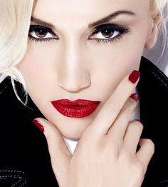 Keistimewaan Urban Decay Gwen Stefani Eyeshadow Palette