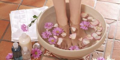 5 Bahan Rendaman Alami Pengusir Bau Kaki