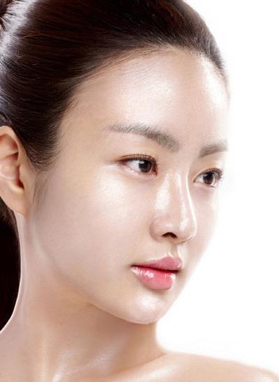 Tips Membuat Kulit Wajah Lebih Cerah & Bebas Kilap