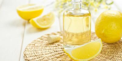 4.  Air Perasan Jeruk Lemon