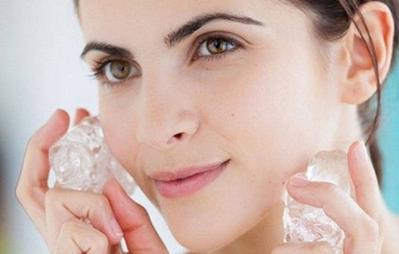 Tips Perawatan Wajah dengan Es Batu