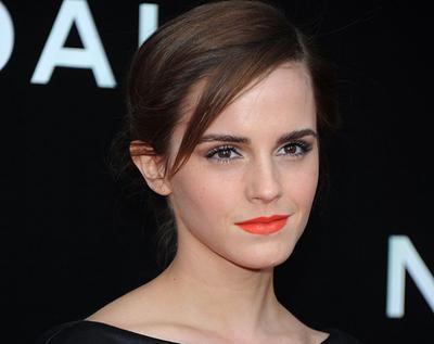 Makeup untuk Lipstik Oranye Kemerahan