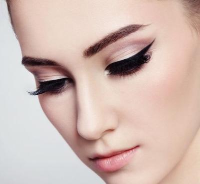 Sempurnakan Tampilan Dengan Eyeliner