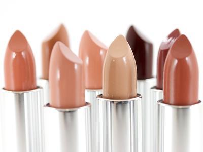 Tips Memilih Nude Lipstick Sesuai Warna Kulit