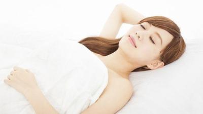 1. Posisi Tidur Telentang atau Menyamping