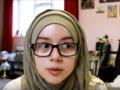 Gaya Hijab Stylish & Nyaman Dengan Kacamata