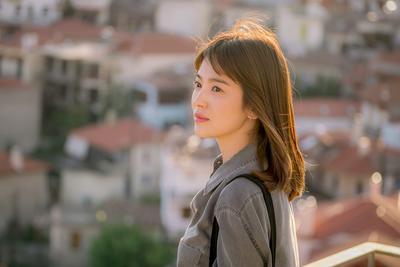 Cara Mendapatkan Rambut Lurus ala Song Hye Kyo