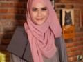 Style HIjab Casual untuk Acara Formal ala Zaskia Mecca