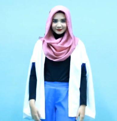 Tutorial Hijab ke Kantor yang Super Praktis ala Zaskia Sungkar