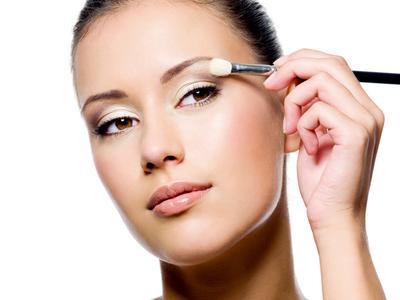 Eyeshadow yang Disarankan untuk Dihindari