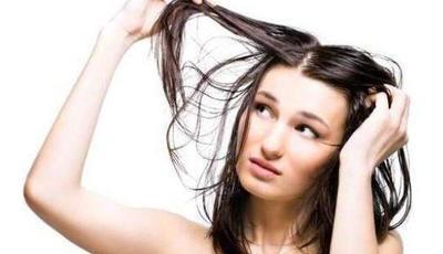 Rambut Kamu Berminyak? Ini 5 Sampo Terbaik untuk Mengatasinya