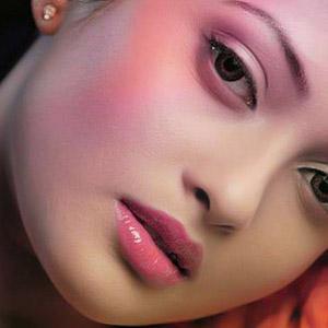 Rekomendasi 4 Warna Lipstik Matte Agar Kulit Tidak Terlihat Pucat