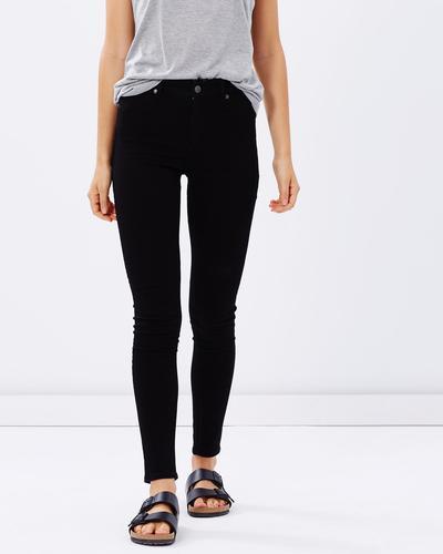 1. Celana Jeans