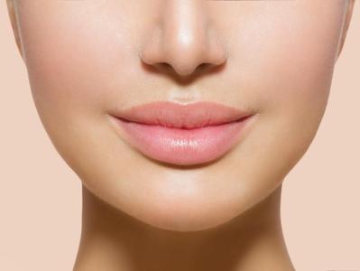 5) Hindari Menjilat Bibir