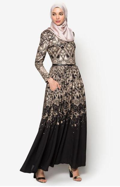 9. Zalia Geometric Foil Print Dress