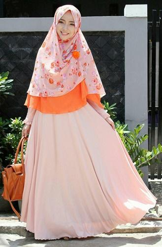 Tetap Tampil Cantik dan Menarik Dengan Hijab Syari