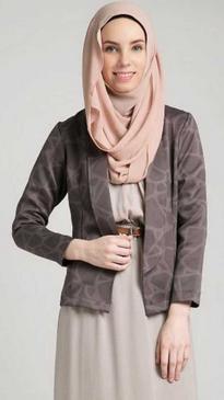 Sesuaikan Pemakaian Hijab Dengan Gamis