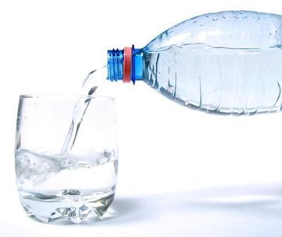 2. Perbanyak Minum Air Putih