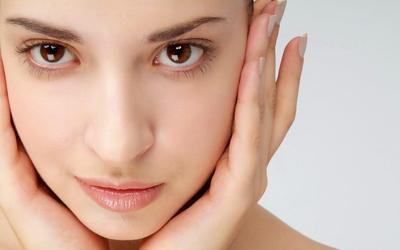 Tips Merawat Kecantikan Wajah Sepanjang Malam