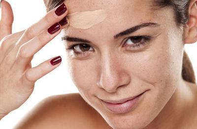 Tips Mudah Aplikasikan Makeup untuk Kulit Kering
