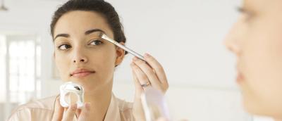 Tips Makeup 5 Menit Sebelum ke Kantor