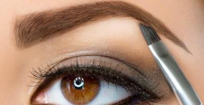 Pilih Eyebrow Krim atau Pensil Alis?