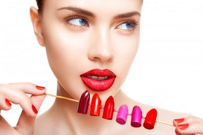 Tips Cantik Memilih Lipstik Sesuai dengan Warna Kulit