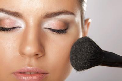 Tutorial Dasar Makeup Wajah Untuk Ke Pesta