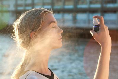 6. Selalu Bawa Facial Mist