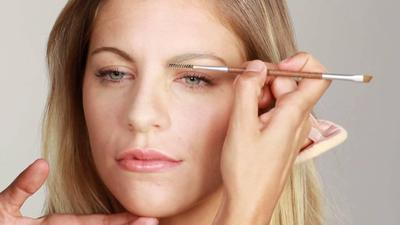 Tutorial Aplikasi Eyebrow Powder Dan Cara Memilih Produknya
