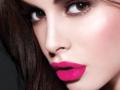 3 Brand Waterproof Matte Lipstik Terbaik Cerahkan Wajah Saat Mudik