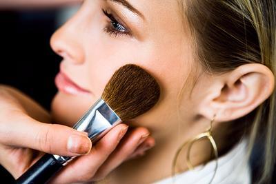 Tips Makeup Tahan Lama untuk Wajah Kering