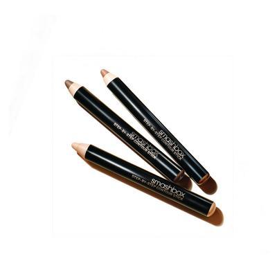1. Gunakan Pensil Berbahan Dasar Krim