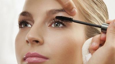 3. Makeup Mata