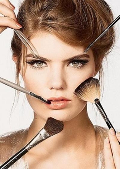Referensi Makeup Sederhana untuk Pesta