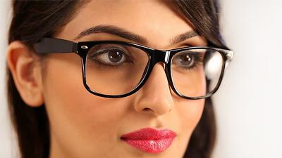 2. Eyeshadow Warna Cerah