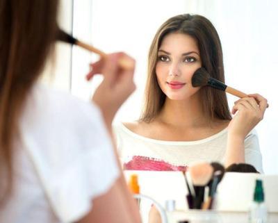 Penyebab Tumbuhnya Komedo di Hidung Remaja Wanita