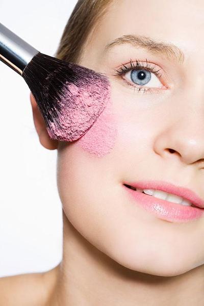 Rekomendasi 3 Tipe Blush On untuk Makeup Pemula