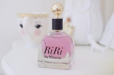 Parfum Terbaru Rihanna Ahirnya Hadir di Indonesia