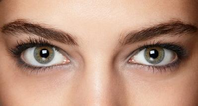 4 Eyebrow untuk Alis yang Tahan Lama