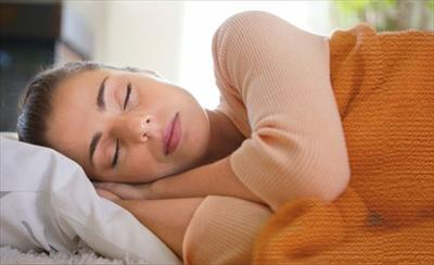 4. Tidur Dengan Posisi Sejajar