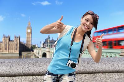 Tips Membawa Alat Makeup untuk Traveling