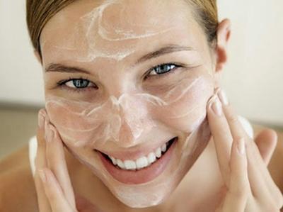1. Untuk Perawatan Wajah & Bibir