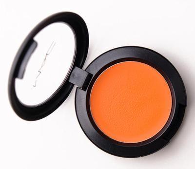 4. Gunakan Blush Orange Sebelum Blush Pink
