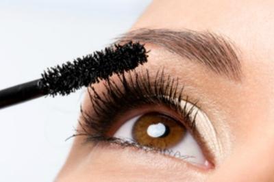 Makeup Mata untuk Wajah Kotak