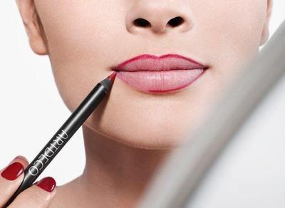 Rahasia Cantik dengan Lip Liner, Berikut Caranya!